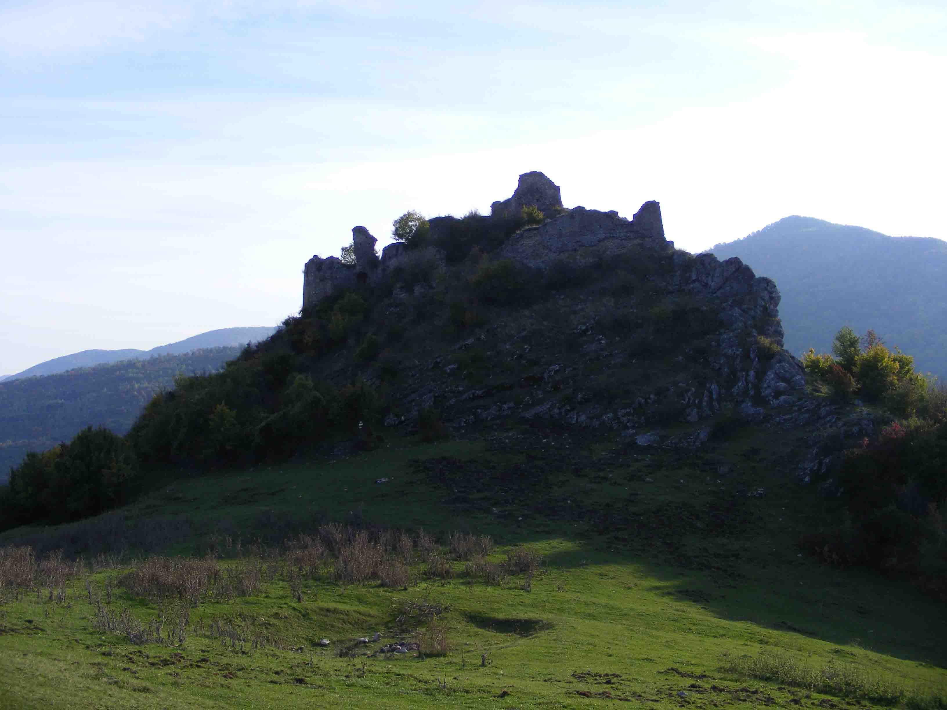 Cetatea Liteni sau cetatea ruina din Transilvania