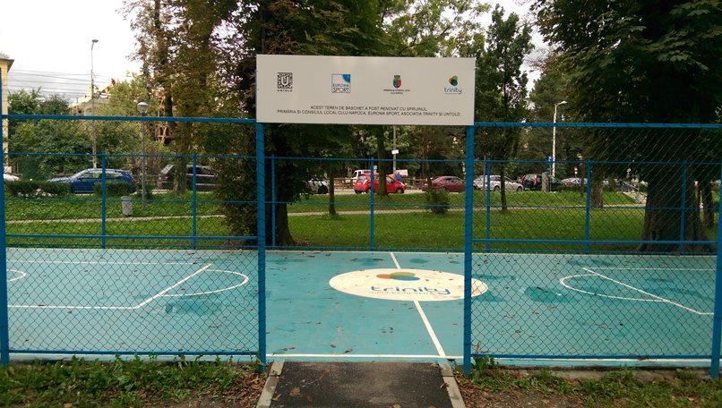 Untold ajuta la modernizarea terenului de bashet din Parcul Central