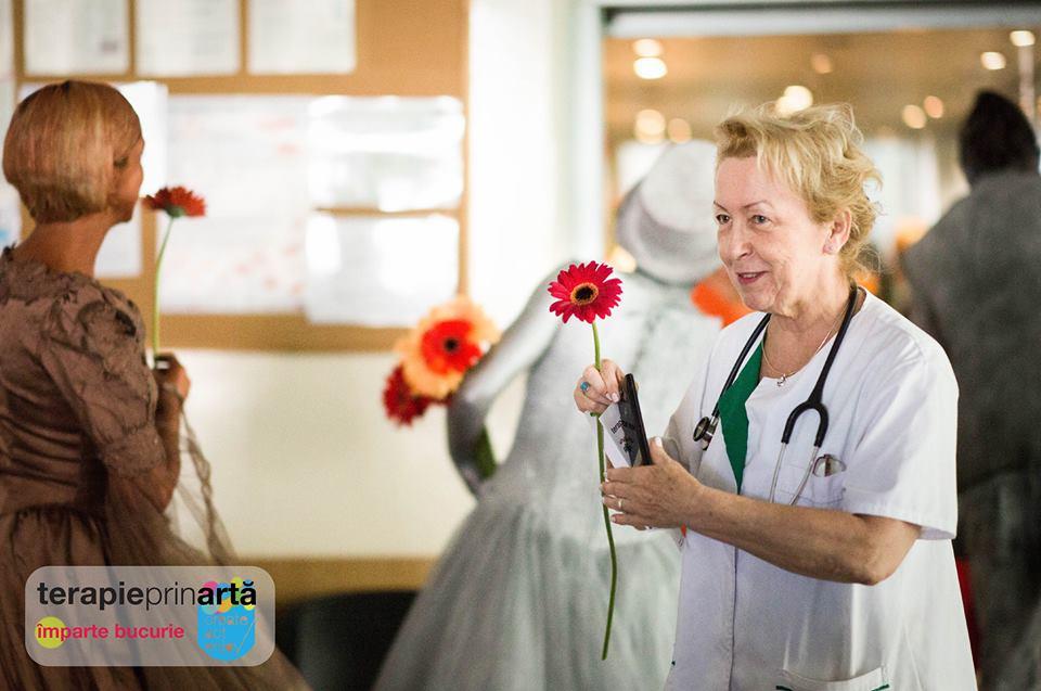 Împarte Bucurie – terapie prin artă în trei spitale clujene