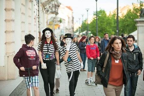 Trei zile de artă cu peste 40 de reprezentații pe străzile Clujului. Începe Jazz in the Street