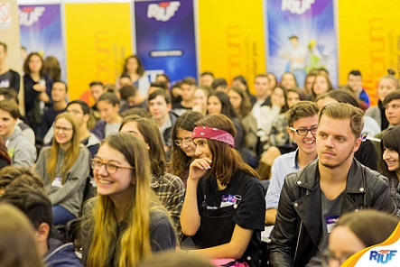 Peste 70 de universitati si institutii educationale din Romania si din strainatate sunt prezente la RIUF