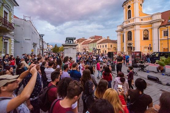 Peste 80 de reprezentații de muzică, dans, magie, acrobații, teatru la Jazz in the Street