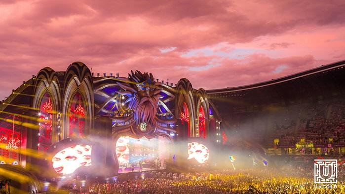 Prima zi a ediției aniversare a festivalului Untold a adus în tărâmul magic peste 90.000 de participanți